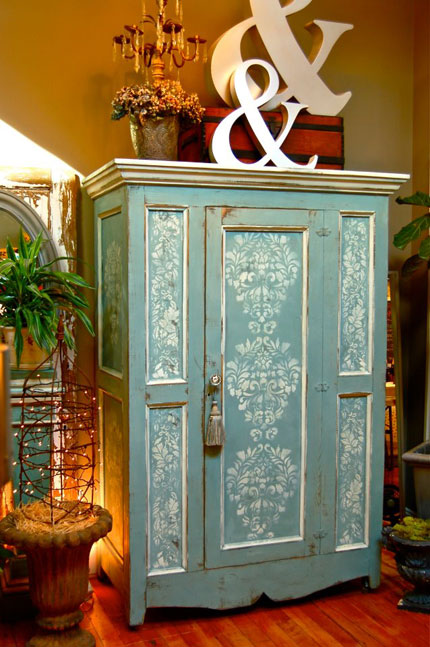 furniture stenciling with chalk paint