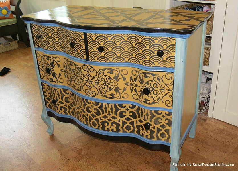 Multiple-Stencil-Patterns-on-Dresser