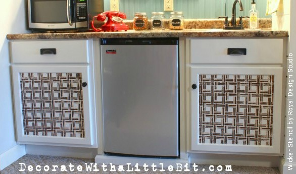 Stenciling-on-Cabinet-Doors