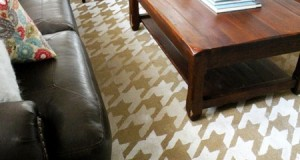 "Stenciled Rug Makeover: ""Bestie"" Ombre Houndstooth"