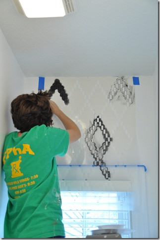stenciling-bathroom-makeover