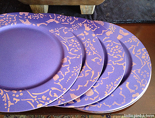 diy-stenciled-chargers Persian Lace bordes stencil