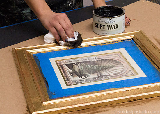 How-to-gild-a-frame-waxing