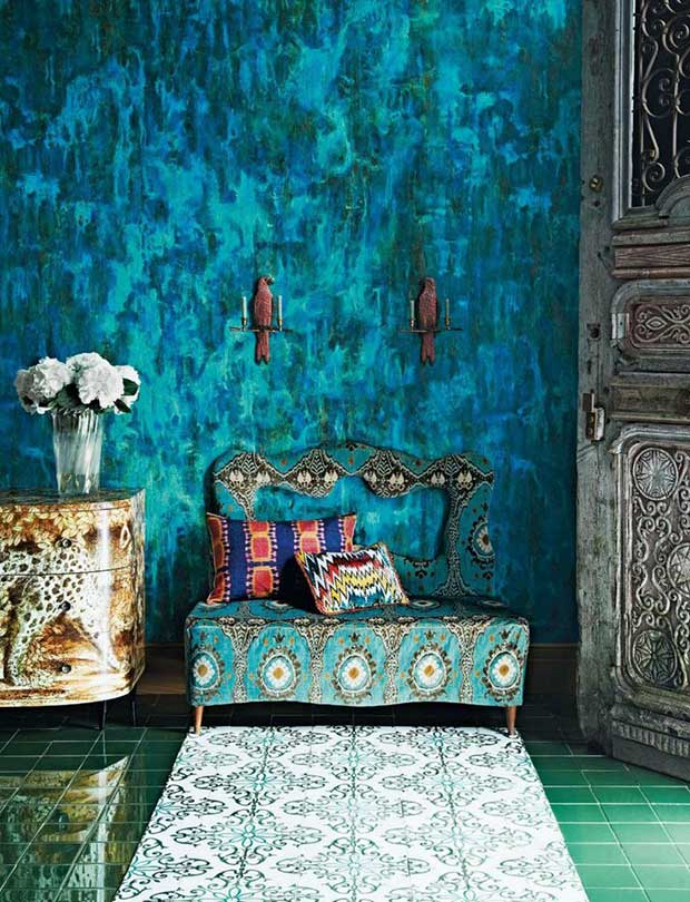 Textured wall with shades of blue and green