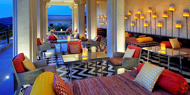 Hotel-Devi-Garh-Fort-Patio-Dining