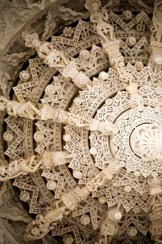 Marble Carvings of Indian Jain Temples via Paint+Pattern