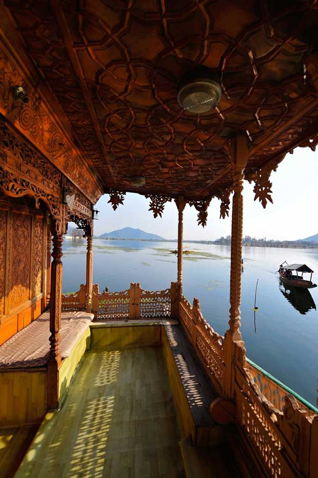 Houseboats of Dal Lake - floating Palaces of Kashmir, India via Paint+Pattern