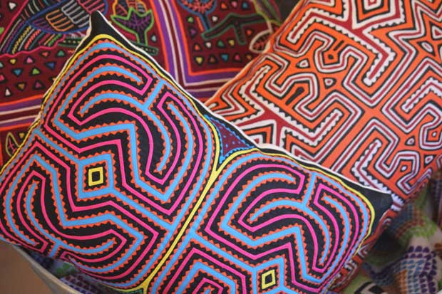 The Molas of Panama via Paint + Pattern