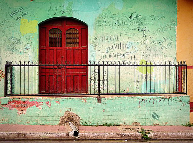 Doors-of-Latin-America-Red-Door-Mexico
