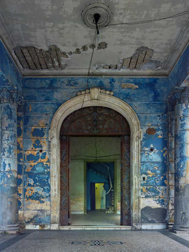 Blue Archway Havana photographed by Michael Eastman | Paint + Pattern