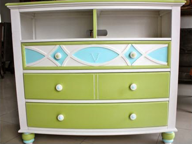 Dresser Makeover for a Girls Bedroom | Paint + Pattern
