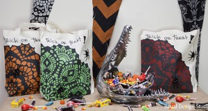 Halloween DIY: Stencil Trick-or-Treat Bags
