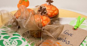 Fall DIY: Stencil Holiday Cupcakes