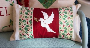 How to Stencil Festive Christmas Pillow Cases