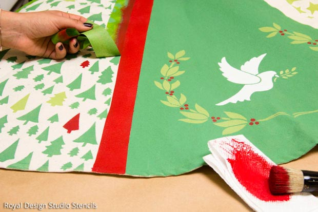 How to Stencil a Handmade Tree Skirt | Christmas Stencil Collection by Royal Design Studio