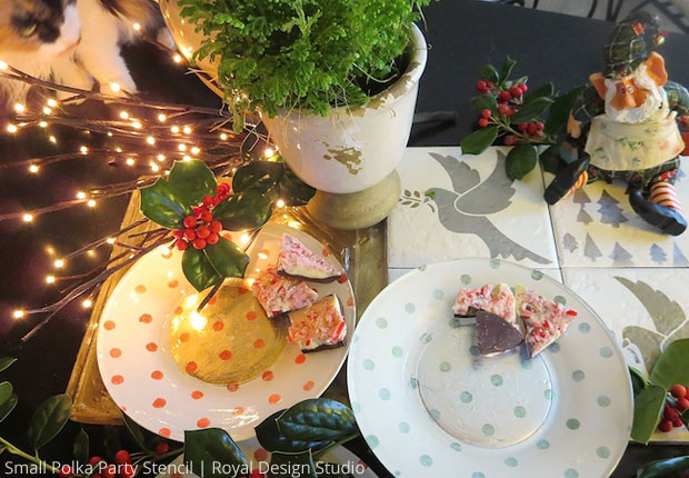 Stencil Decorative Plates To Complete Your Christmas Table