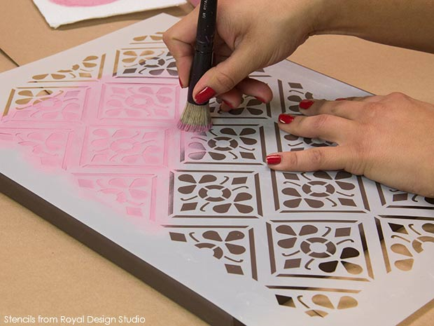 Stenciled wall art on Paint and Pattern. Valentines DIY project with Chalk Paint and stencils from Royal Design Studio