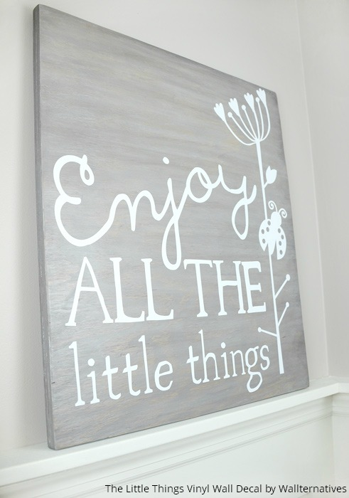 Easy diy wall art with plywood and vinyl paint pattern for Things to paint on your wall