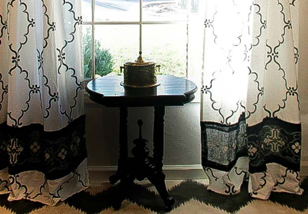 How to Stencil DIY Curtains with Burlap Border