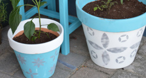 A Blooming Spring Time Stencil Idea for Patio Planters